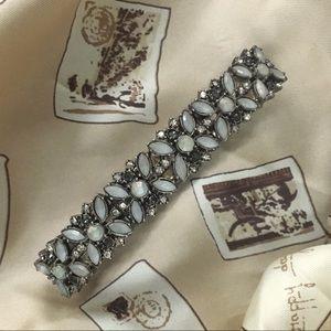 Jewelry - Bejeweled Flowers Stretch Bracelet Band